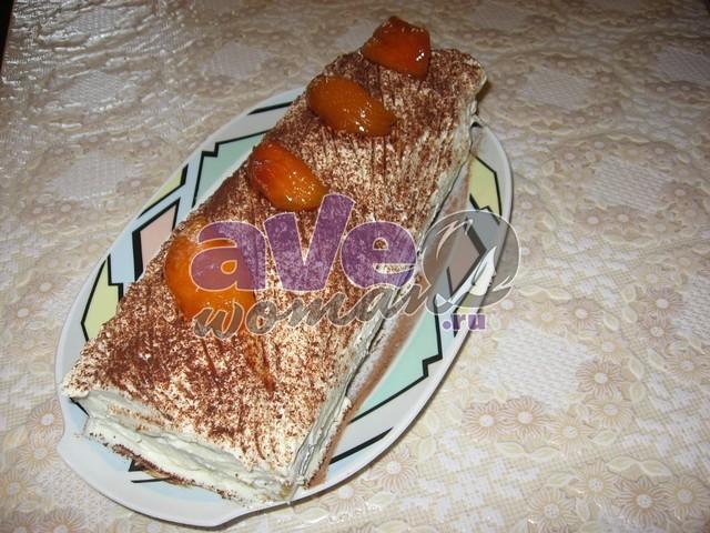 Рулет бисквитный с кремом и персиками