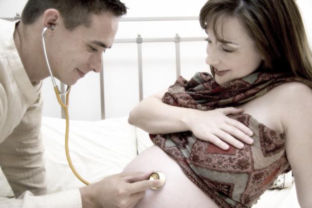 беременая женншина занимается сексам у вурача на преме