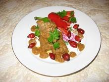 Тушеная говядина с овощами, шиповником и виноградным соком