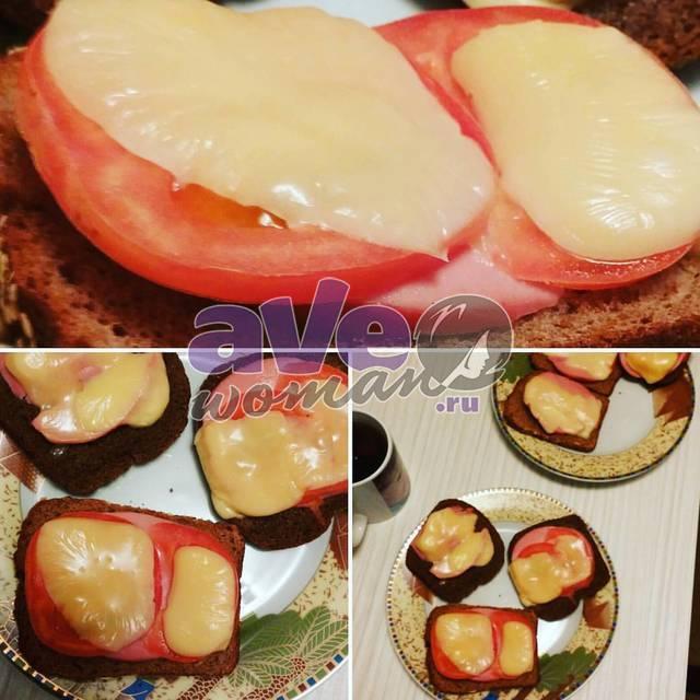 Горячие бутерброды с сыром и колбасой на скорую руку
