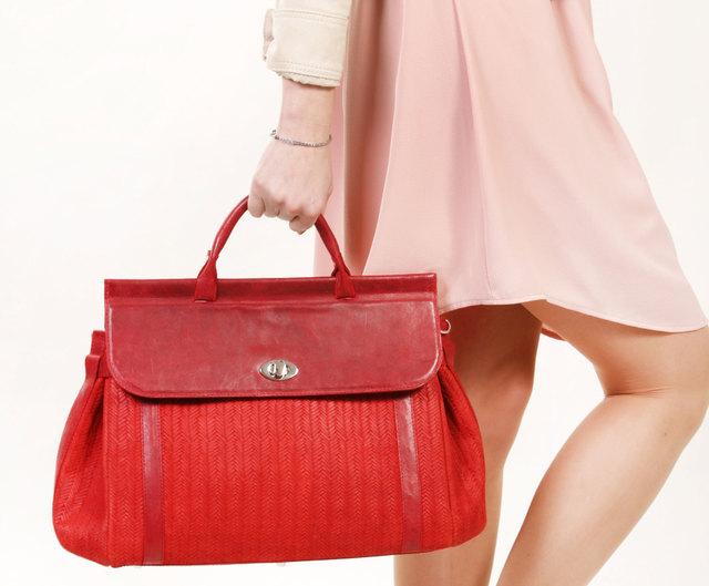 3c95a70fa320 Возможно, вы задаетесь вопросом, какую же сумку выбрать на каждый день или  какой цвет является универсальным для ежедневного использования?